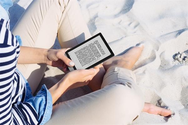 eBookReader Onyx BOOX Poke 3 - på stranden